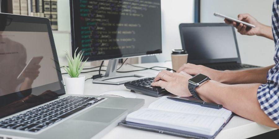 Ejerce en el exterior y recibe la mejor paga como programador