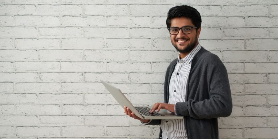 Profesionales de las TIC y sus empleados con habilidades críticas como sus Programadores y profesionales del desarrollo de software