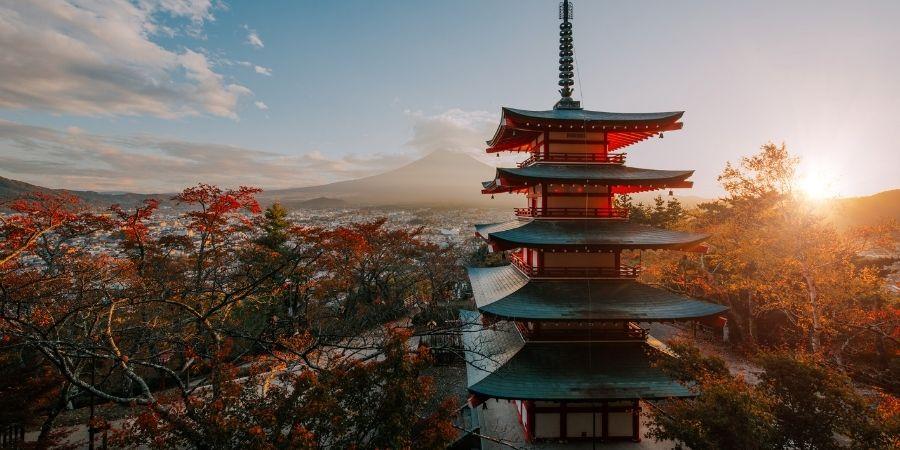 arquitectura de edificios de la ciudad tokio, japon. Pais innovador para los ingenieros