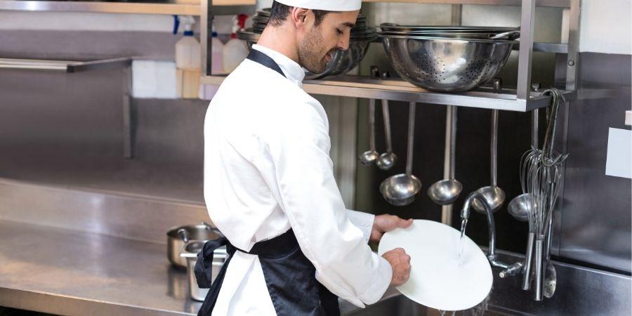 Los kitchen porter tienen maneras de conseguir beneficios al estar aqui