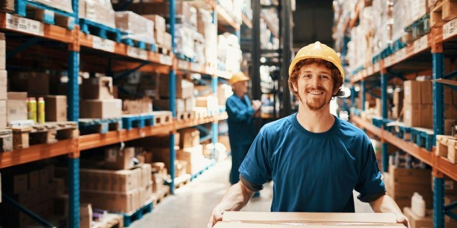 Puedes trabajar en almacenes y bodegas de Amazon