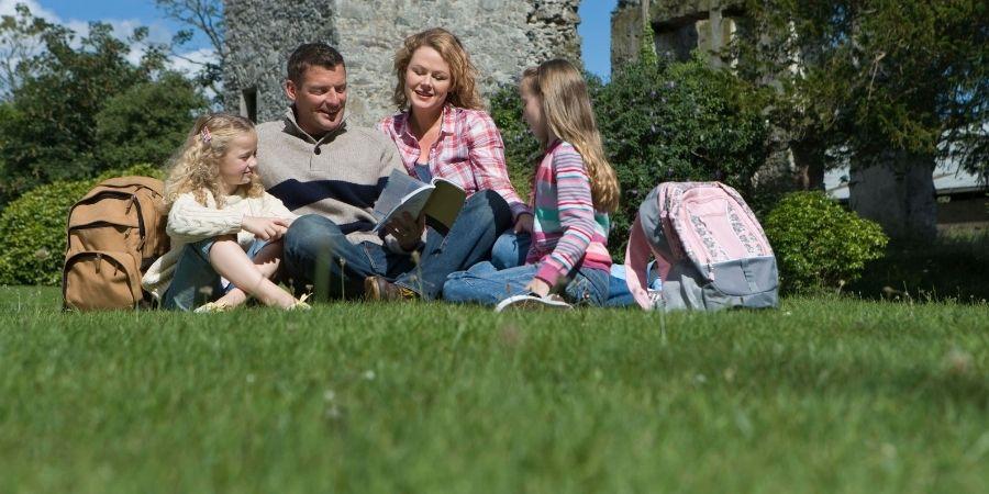 Los parques irlandeses, recurridos por sus verdosos pastos y calidad de paciencia que trae estar en ellos.