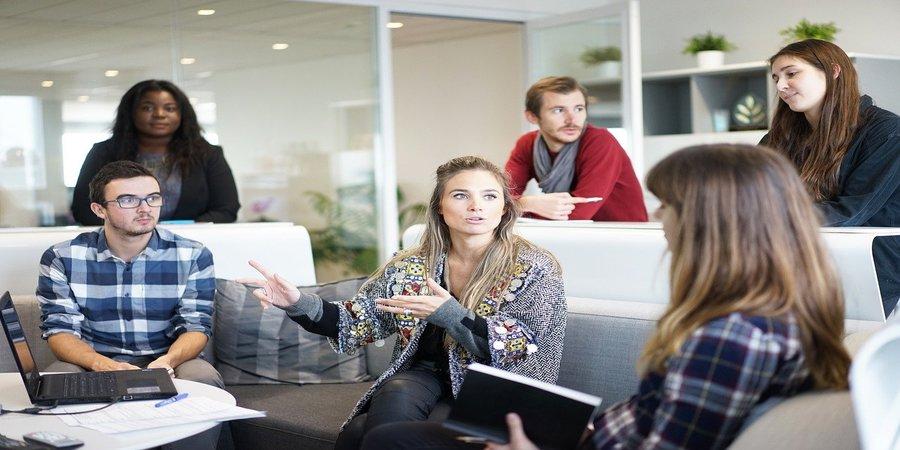 existen agencias que te ayudan a tramitar un empleo en el extranjero